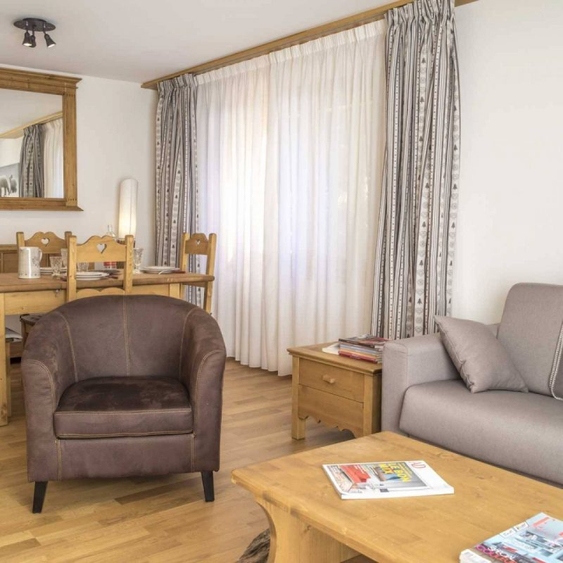 CONDOMINIUM ERMITAGE A40NEW APARTMENT AND FURNISHED IN THE  VILLAGE FITNESS, SAUNA AND CARNOTZET